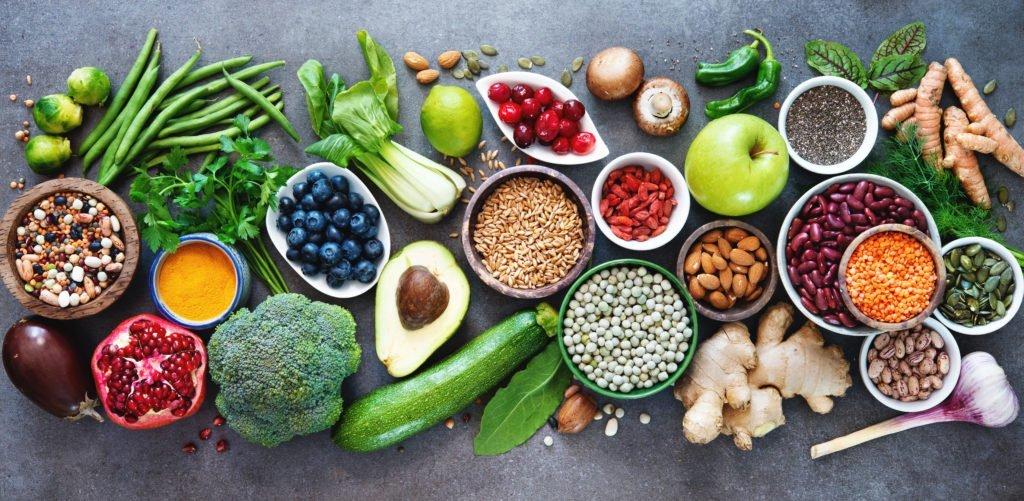 fresh food, healthy food, clean eating, pesticide free produce, dirty dozen produce, EWG dirty dozen 2019, environmental working group's dirty dozen 2019,