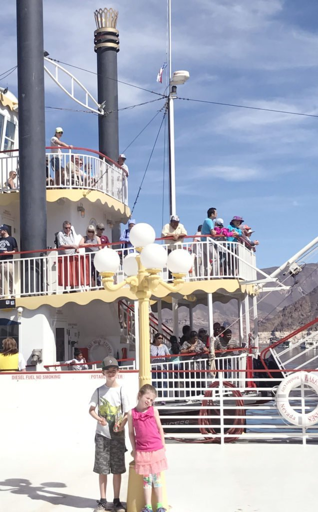 Great place to take kids off the strip in Las Vegas, family friendly tourist spot in Vegas, where to take kids in Vegas, Lake mead cruises, best place for families in vegas, boating sightseeing at lake mead