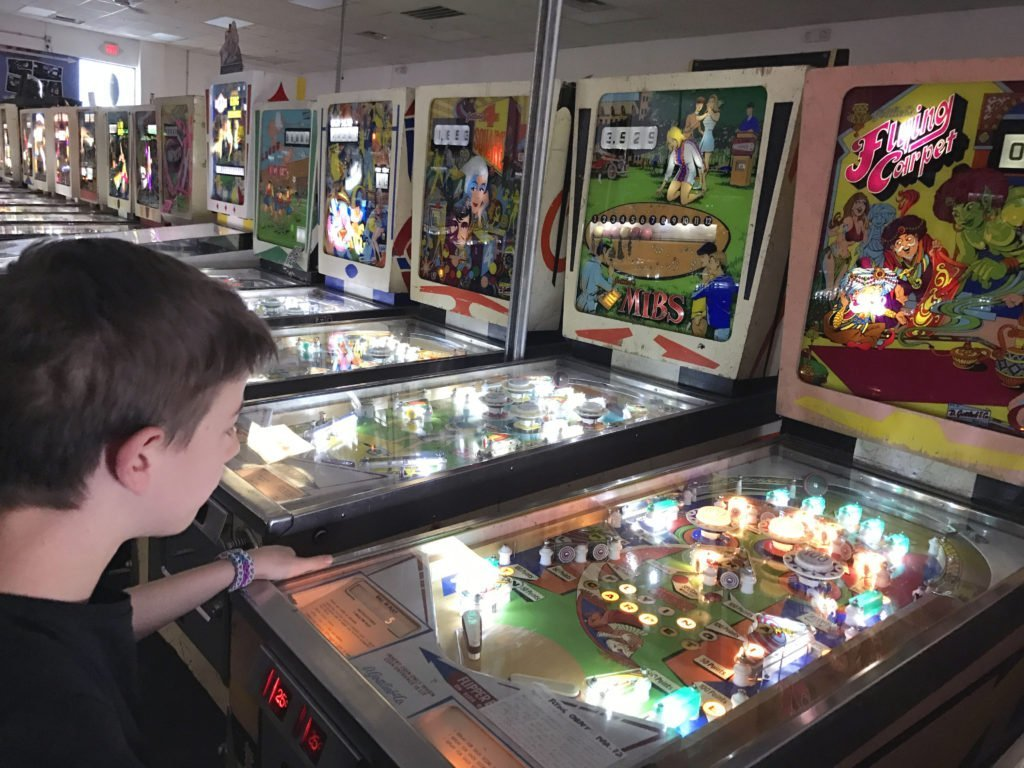 Great place to take kids off the strip in Las Vegas, family friendly tourist spot in Vegas, where to take kids in Vegas, Pin Ball Hall of Fame in Las Vegas, best place for families in vegas