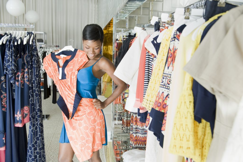 shopping for discount and thrift store clothes to cut costs, reduce you clothing budget by shopping sales and clearance