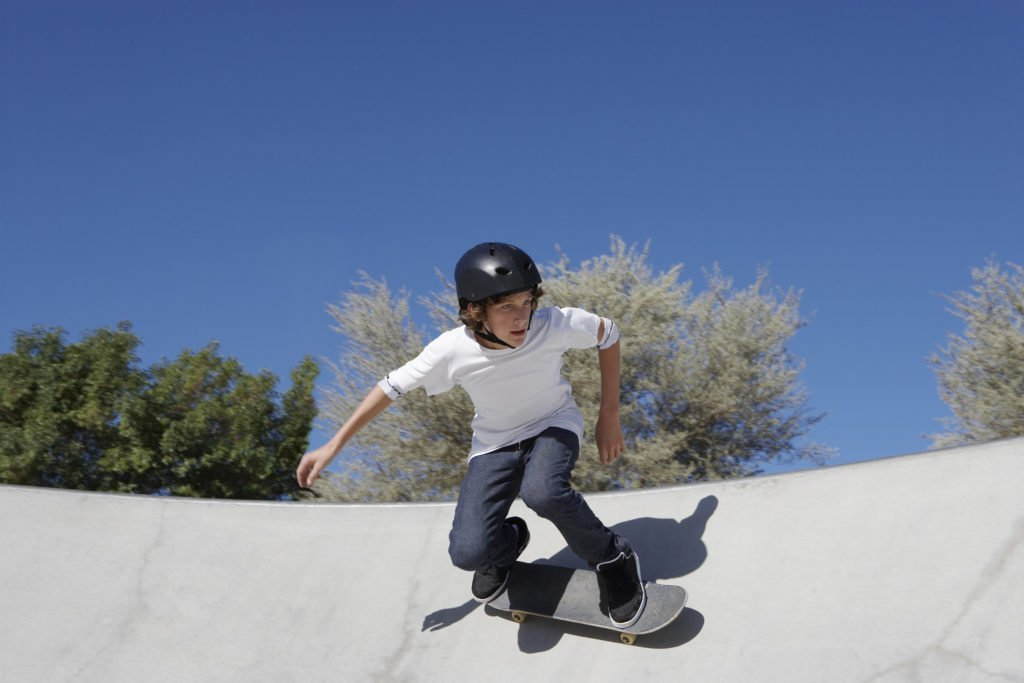 keep kids busy this summer, activities for summer, summer activities for kids, things for kids to do on summer vacation, free activity calendar, kids at skate park