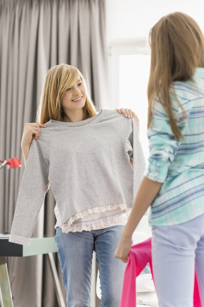 trade clothes with friends, new to you clothing, host a clothes trading day,