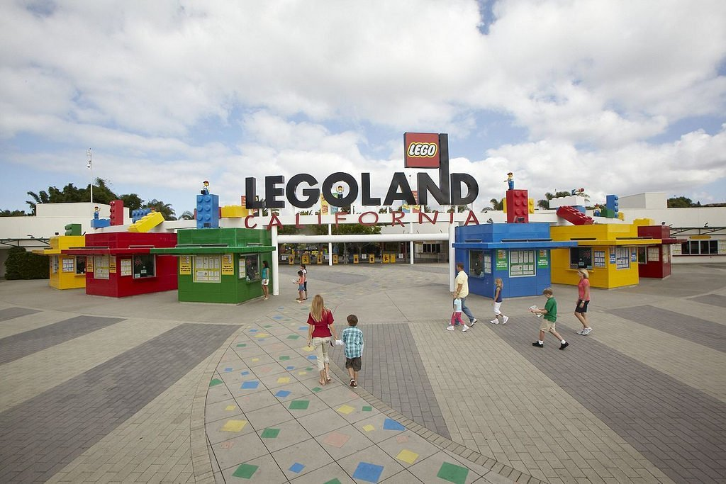 Main Entrance at LegoLand Californa, getting ready for an awesome family vacation.